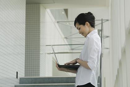 女性にとって安定している職業とは?