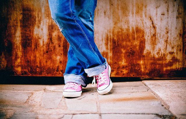 旅行で歩き回るのに便利な靴は?おすすめをご紹介!