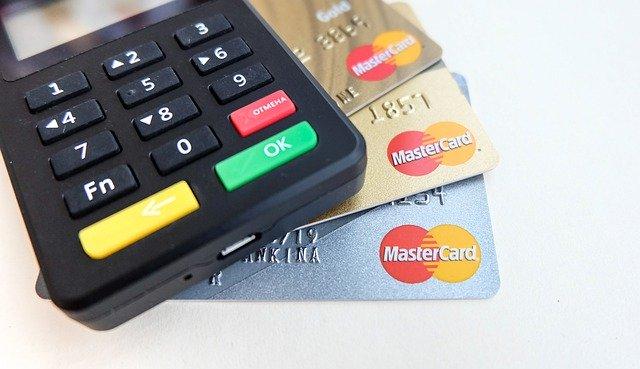 女性におすすめのクレジットカード!人気なのはどれ?
