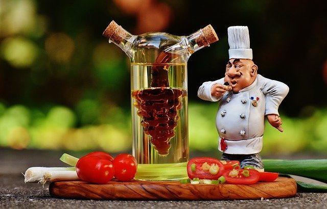 酢の効果と代表的な加工酢!酢を上手に料理に活用しよう